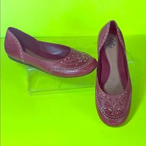 Earth Origins Natalie Leather flats red maroon 8.5